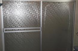 Cancel de baño con plástico 2 – Aluvidrios